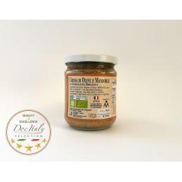 Crema olive e mandorle